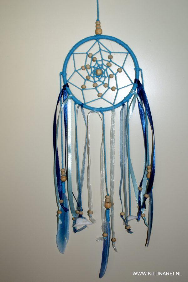 Blauwe bohemianstyle dromenvanger maken