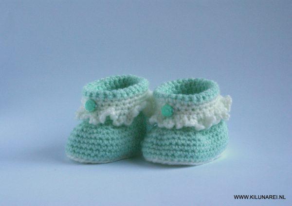 Mintgroene gehaakte baby-booties