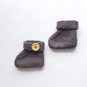 Antracietgrijze baby-slofjes met knoop