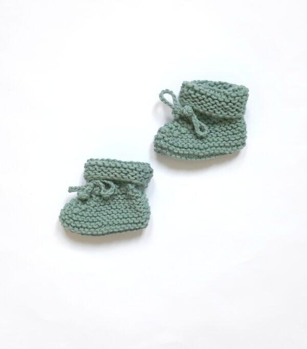Saliegroen baby-slofjes met koordje